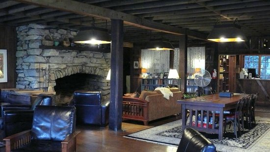 Fryemont Inn:                   Lobby with fireplace