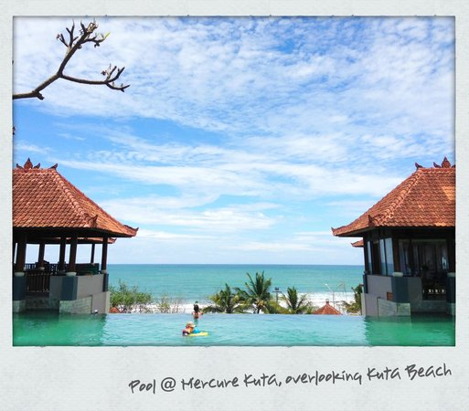 Mercure Kuta Bali:                   pool area overlooking Kuta beach