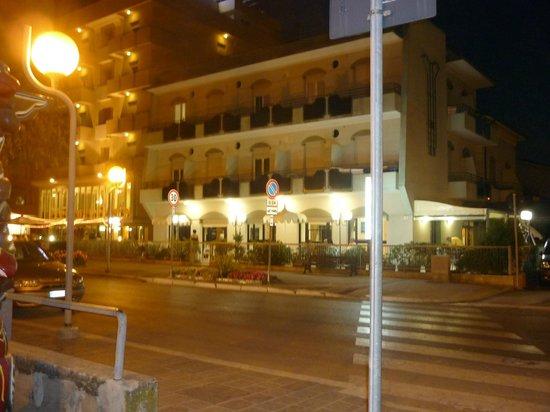 Hotel Ridens: l'hotel la sera!