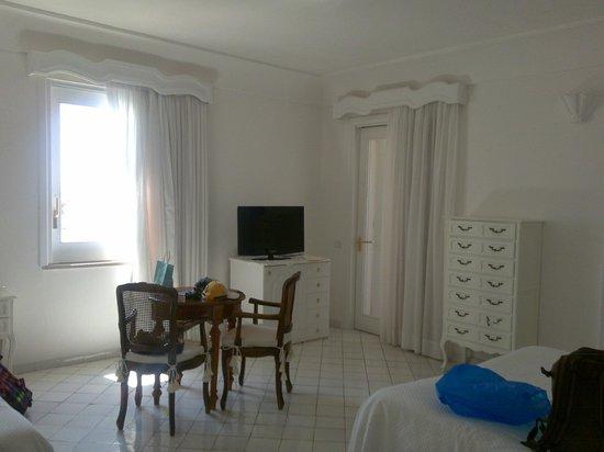 Hotel Maricanto:                   номер для троих