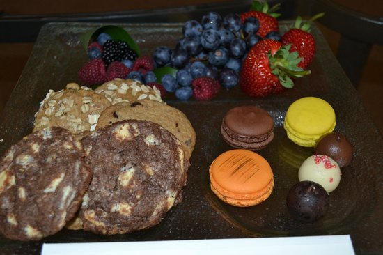 Fairmont Miramar Hotel & Bungalows: treats
