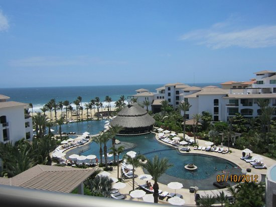 Cabo Azul Resort: View Of The Center Of The Resort