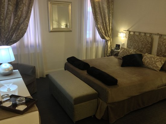 Albergo Marin: Superior double room (turkish bathroom)