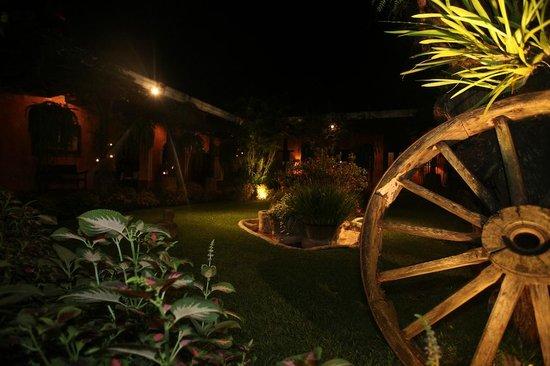 La Casa de los Suenos: Garden