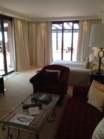 Kempinski Hotel Bahia: Suite main room