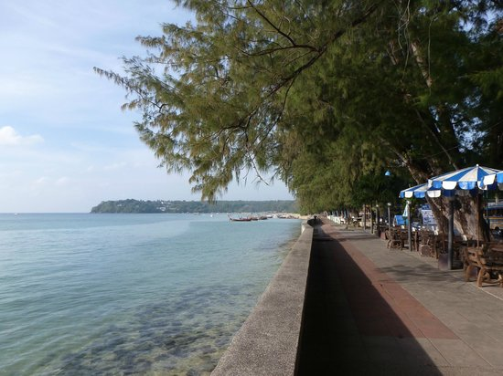 Thai Palace Resort :                   seafront rawai