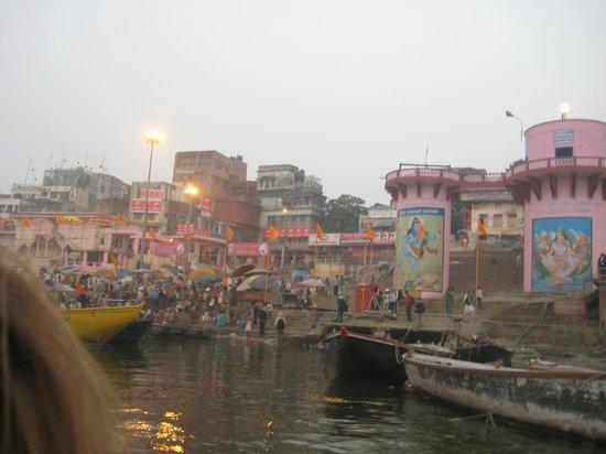 Palace on Ganges: Along the Ganges