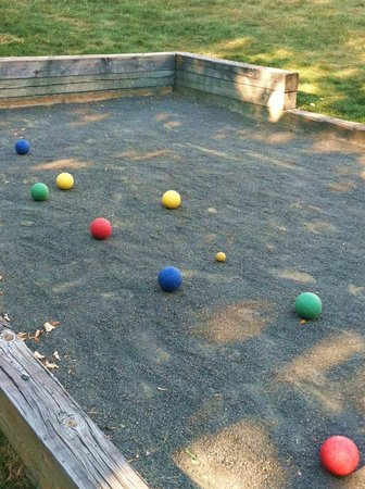 Tarrytown House Estate on the Hudson:                   bocce