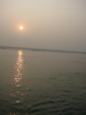 Palace on Ganges: Sun rise on Ganges