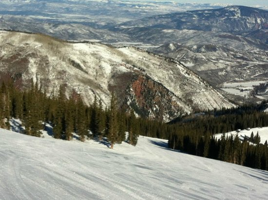 Snowmass Mountain Chalet:                   View from the top of Snowmass Mountain.....a favorite trail!