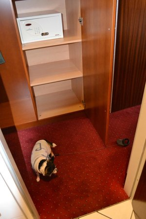 Hotel Aquis Grana:                   In Room Safe