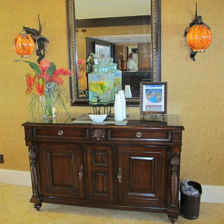The Inn at Key West :                   Fresh water with oranges and limes into it