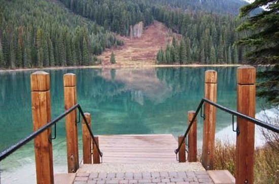 Emerald Lake Lodge:                   view