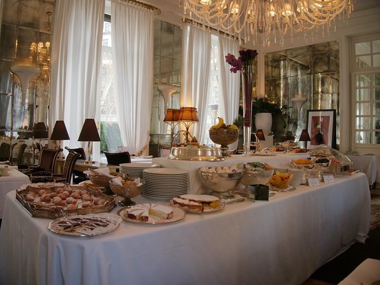Hotel Majestic Roma: Breakfast Buffet