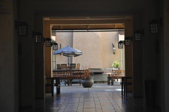 Hyatt Vineyard Creek Hotel: Beautiful courtyard
