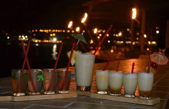 Royal Kona Resort:                   mojito and colada samplers in the bar - yummmmmy!