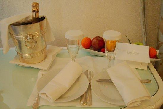 Hotel Majestic Roma: Hotel gifs