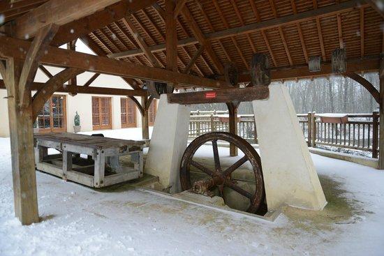 Hotel-Restaurant du Moulin Babet:                   Mill stuff