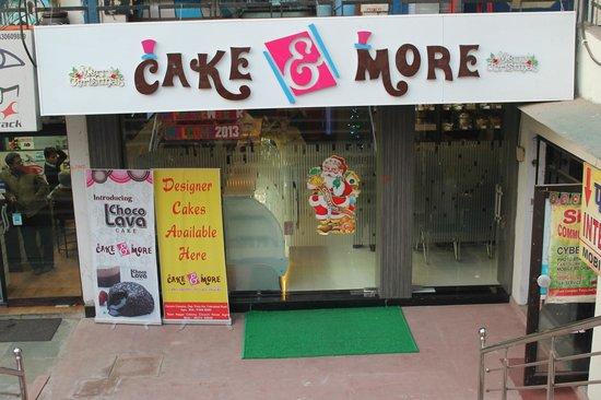 Cake & More: Exterior View