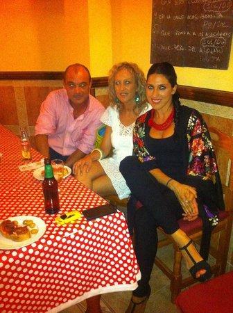 Taberna Flamenca La Puerta del Cante: los flamencos de la taberna