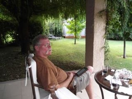Lares de Chacras:                   relaxing patios