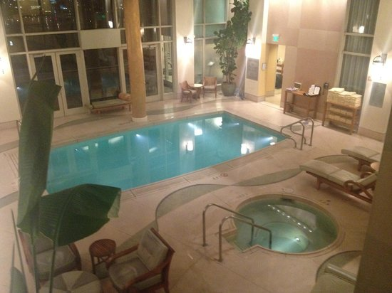 Nob Hill Spa :                   Warm pool. Probably 80-85 degrees.