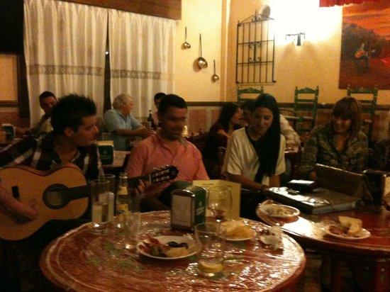 Taberna Flamenca La Puerta del Cante: reuniones flamencas