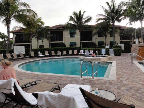 Naples Bay Resort:                   The circular pool and hot tub in the adult area.