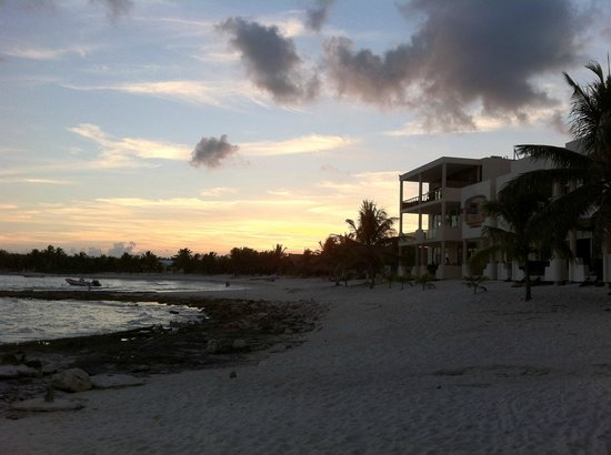 Paamul Hotel:                   Sunset at Paamul