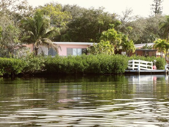 Siesta Key Bungalows: Siesta Keu Bungalows from the Lagoon