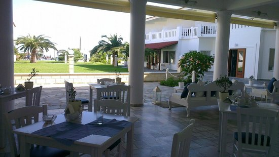 Chryssana Beach Hotel:                   Chryssana