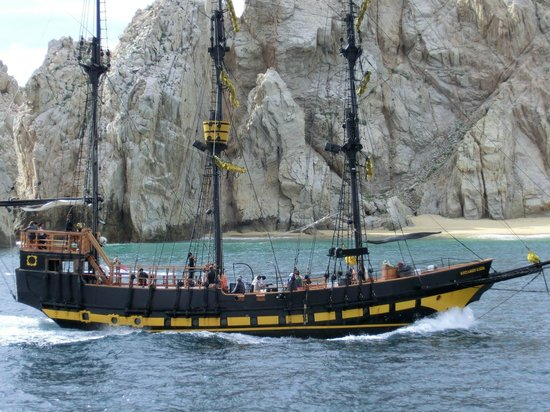 Pirate Ship This Boat Is Fast And Got Very Close To The Wha - Pirate ship booze cruise