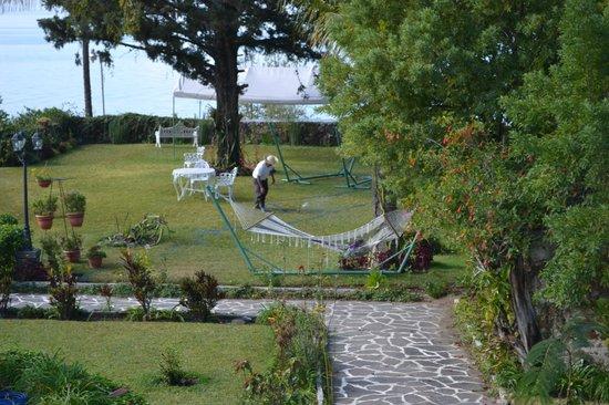 Jardines del Lago: Zona de descanso