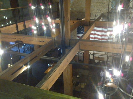 The Iron Horse Hotel: Looking down on lounge from 2nd floor
