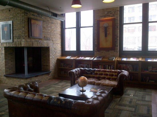 The Iron Horse Hotel: Library (and casual breakfast room)