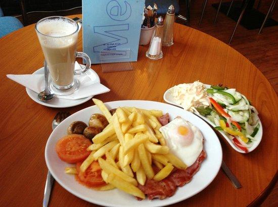 Cafe 91: Massive plate of food!