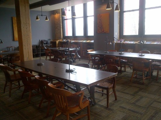 The Iron Horse Hotel : Library (casual breakfast area too)
