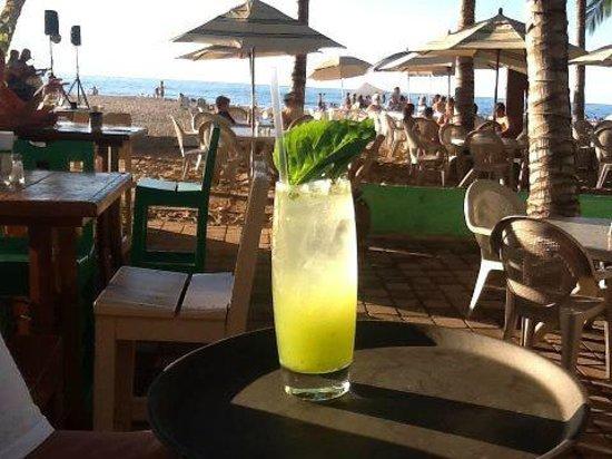 La Playa: Mango-Basil mojito