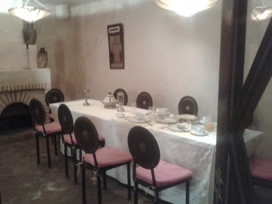 Riad Assala: la sala della colazione