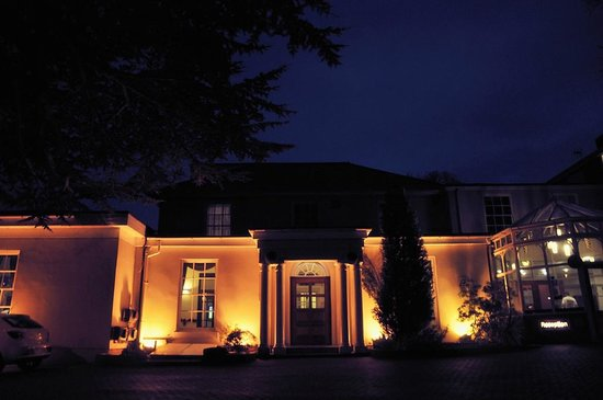 Gainsborough House Hotel:                   The Gainsborough at night