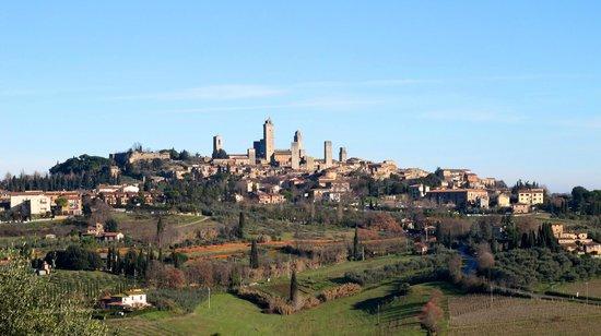 Agriturismo Il Casolare di Bucciano:                   Vista de San Gimignano a partir da piscina