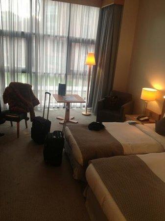 Radisson Blu Hotel, Belfast:                   nice room