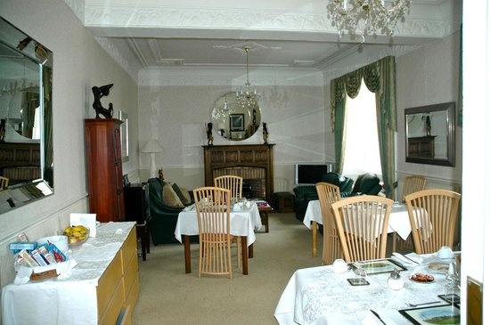 Aberlaw Guest House :                   Living & Dining Rooms