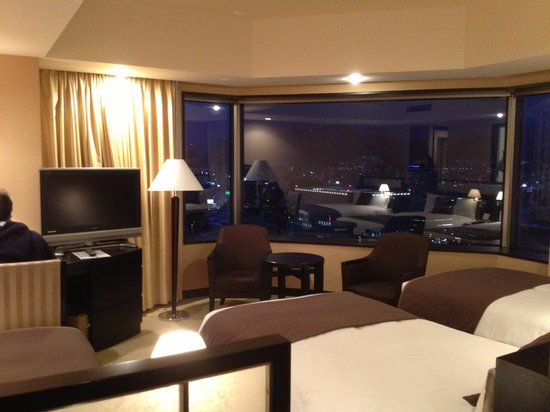 JR Tower Hotel Nikko Sapporo: Our 3-Bed Room