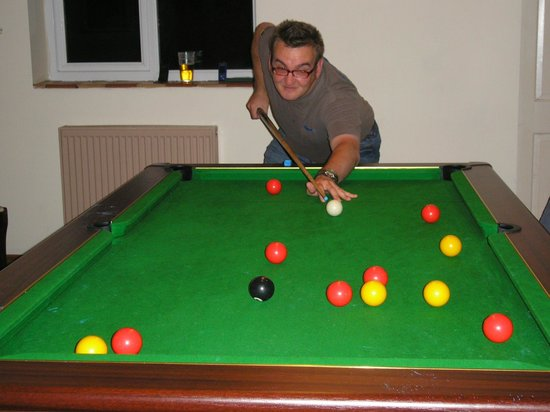 The New Inn: Speed cloth on the pool table