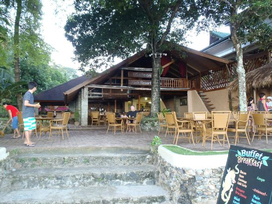 El Galleon Beach Resort & Hotel: the property from the waterfront