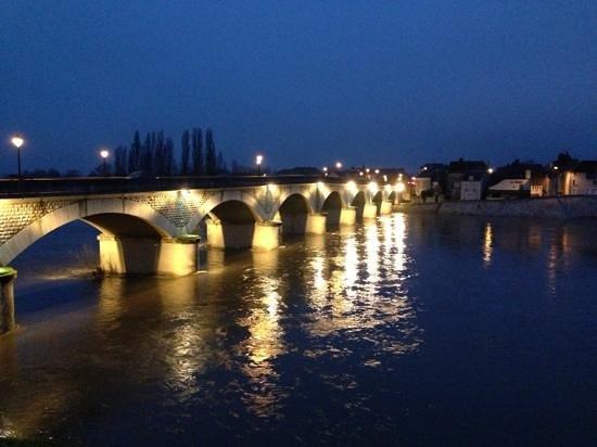 Logis La Brèche: Pont du Marèchal Leclerc