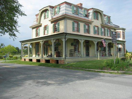 Whitehaven Hotel Picture