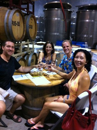 Wise Villa Winery: The old tasting room.  Great place to taste with friends.