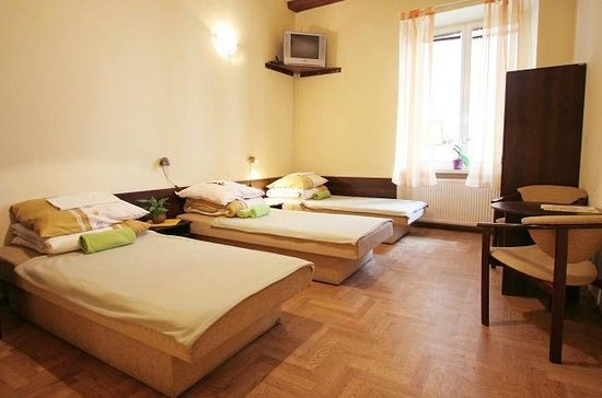 Hostel Faust: 6 - bed mixed dormitory